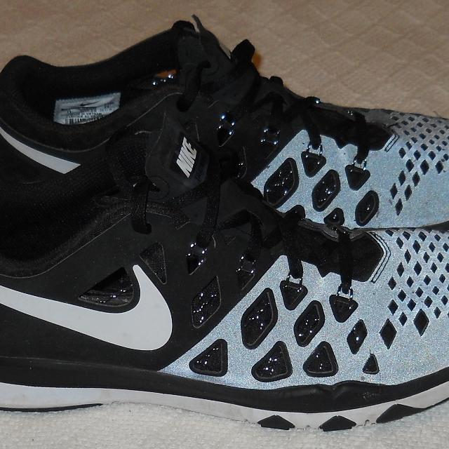 0ad405c69d3 Find more Men s Nike Train Speed 4 Trainer Black white Shoes Size 11 ...