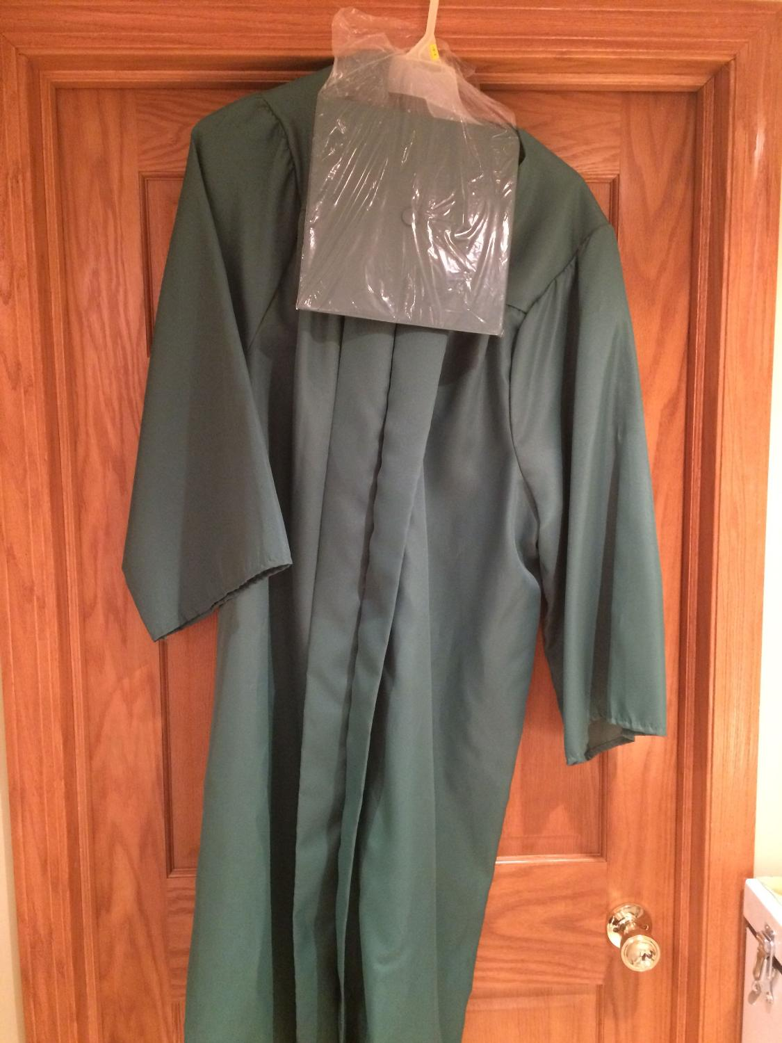 Best Jostens Green Cap And Gown For Graduation for sale in Peoria ...