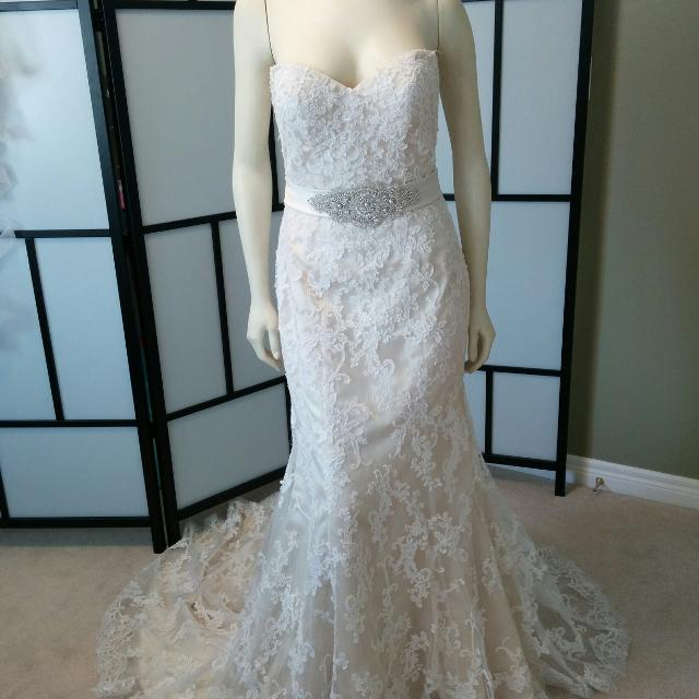 Best Maggie Sottero Lace Wedding Gown/dress for sale in Oshawa ...