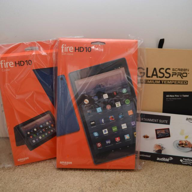 AMAZON FIRE HD 10 w/ CASE AND SCREEN PROTECTOR - NEW IN PACKAGE