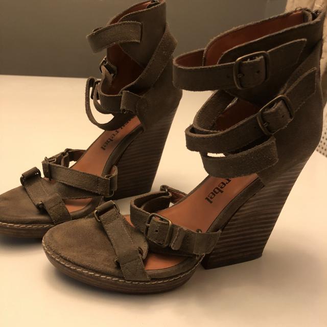 cbe60621a3f84 Best Luxury Rebel Leather Sandals 6.5 for sale in Regina ...