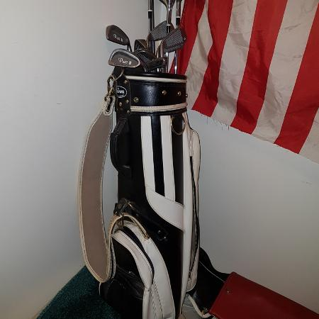 Reduced...Ladies golf clubs starter set for sale  Canada