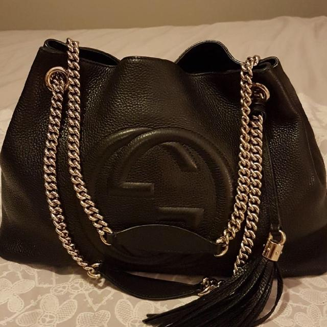 932f9cca7bf Find more Authentic Gucci Leather Medium Soho Tote - Black for sale ...