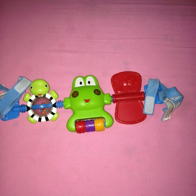 Froggie Musical Light Up Carseat Stroller Toy Lights Sound