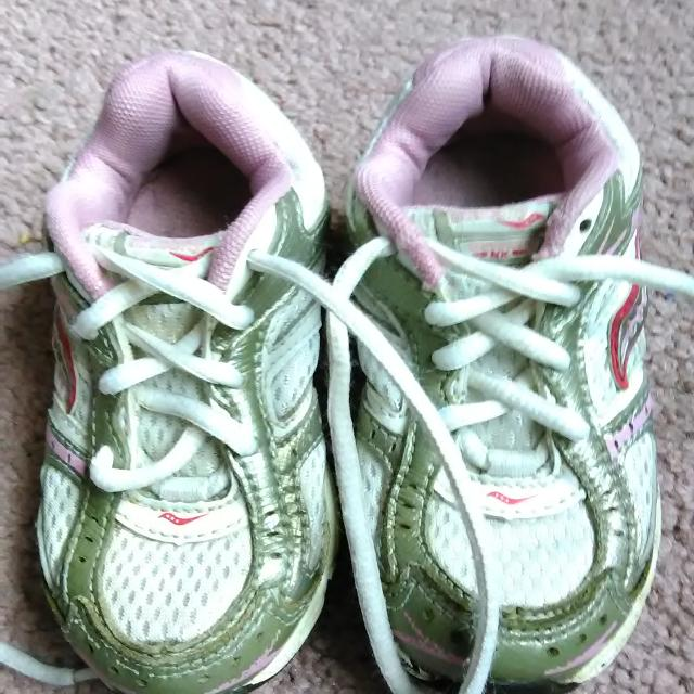 9443ba16aa Find more Saucony Brand Toddler Girls Size 8 Tennis Shoes. White ...