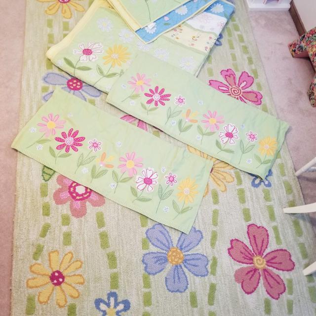 Pottery Barn Kids Daisy Garden Twin Quilt Sham Rug And Window Treatments