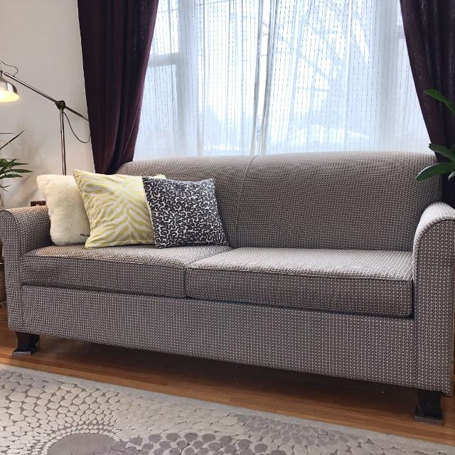 Classic Modern Sofa Bed (Queen)