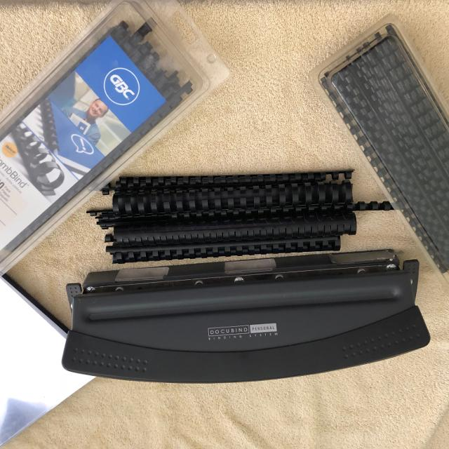 GBC Personal Binding System with Assorted Combs