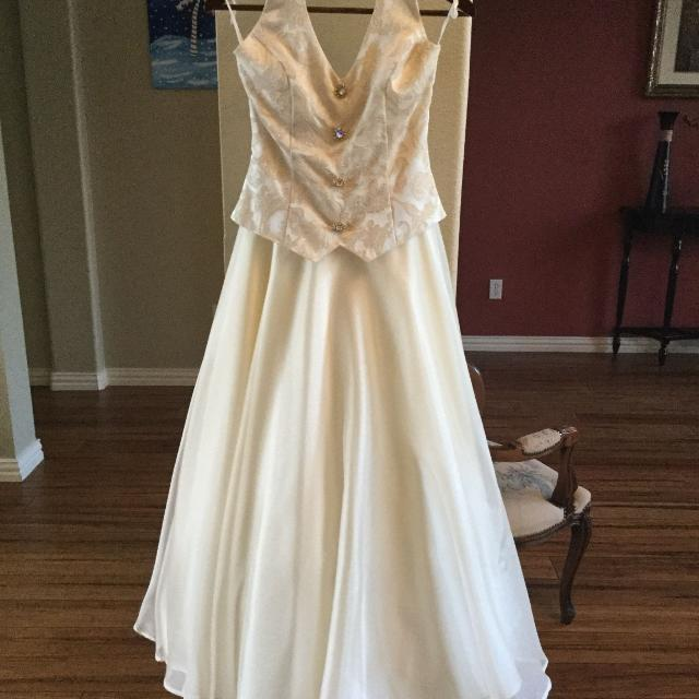 Best Homecoming Or Wedding Dress Ivory Blush Size 0 X Small For Sale