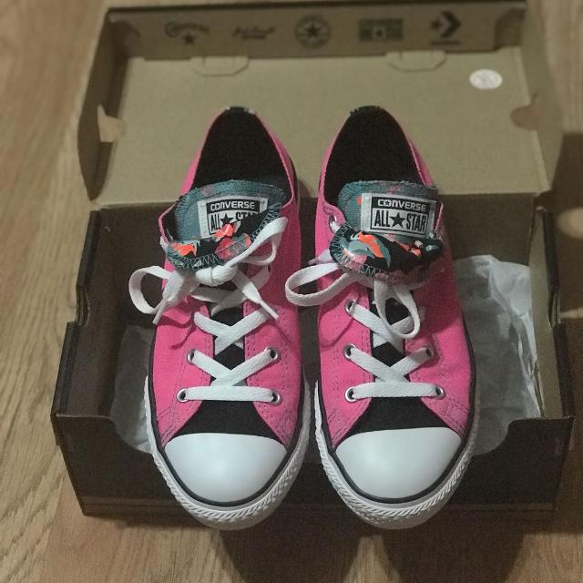 68d45b85b789 Find more Euc Big Girls Converse Size 4 for sale at up to 90% off