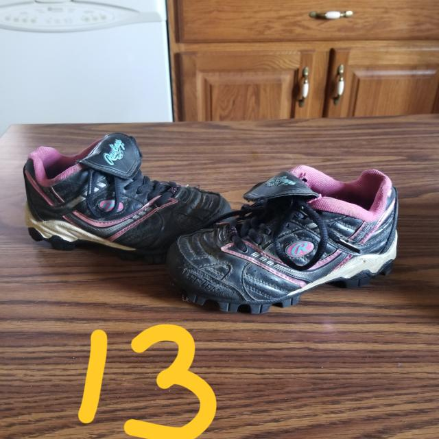 bbc9c022860a Best Size 13 Girls Softball Cleats Black And Pink Rawlings for sale in  Erie, Pennsylvania for 2019
