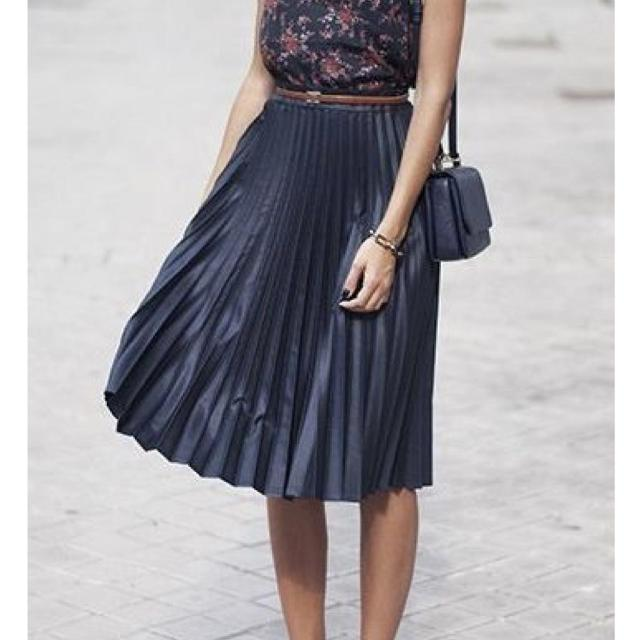 5d03831dca Find more Nwot Black Faux Leather Pleated Skirt With Lining Please ...