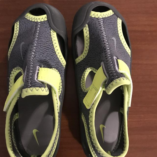 Find more Euc Worn Once Nike Water Shoes for sale at up to 90% off 4f378a1ee
