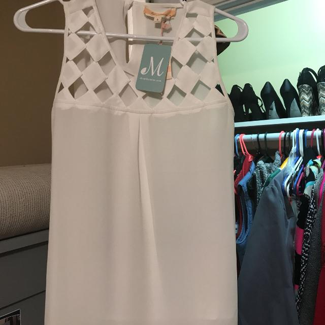 NWT white tank with checkered detail from mint julep boutique  Size small   $12