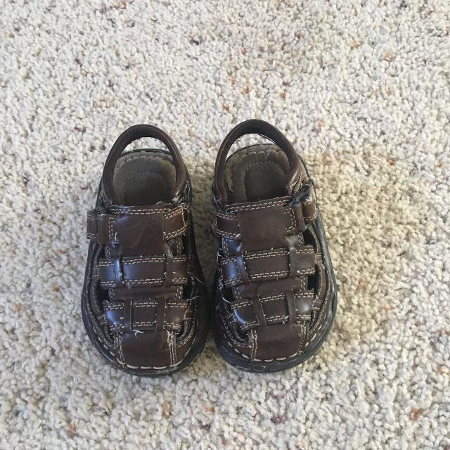 Find more Toddler Boys Brown Sandals Size 6 for sale at up to 90% off 8c95414e8ba