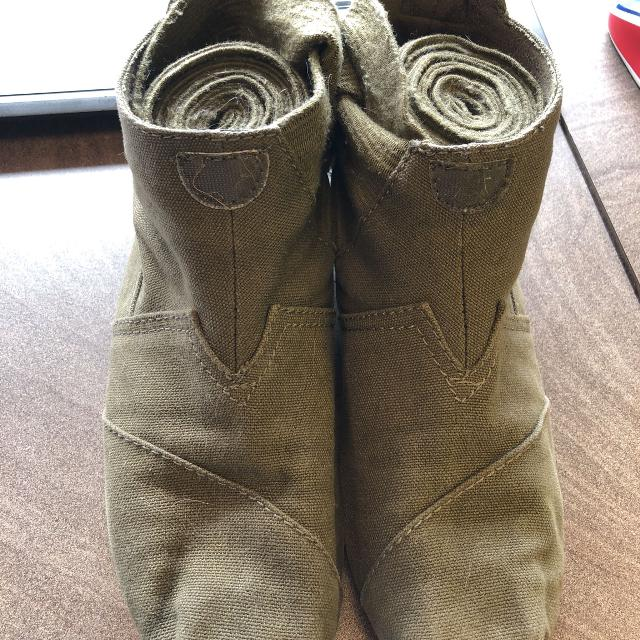 04204c54450 Find more Toms Vegan Olive Green Wrap Boots for sale at up to 90% off