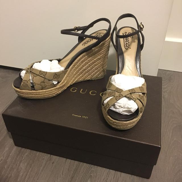 e6ea7336f4f Best Authentic Gucci Wedges Size 39 for sale in Vancouver