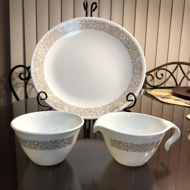 Best Vintage Plate Corelle Woodland Brown Floral Dinner Plate & Open ...