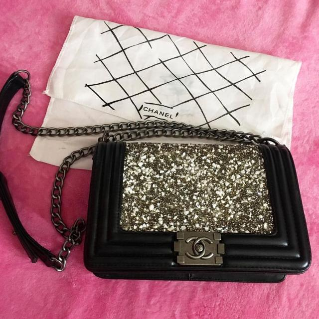 d2038faec411 Find more Limited Edition Chanel Le Boy for sale at up to 90% off