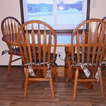 Table n 6 chairs for sale  Canada
