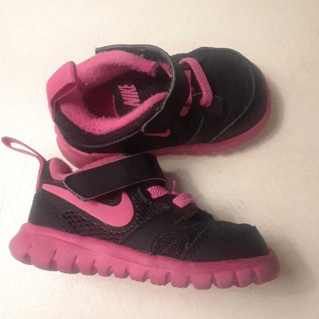 d9026032f5f69 Baby Girl Nike Shoes size 3C
