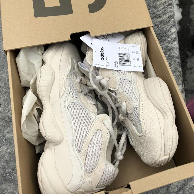 1a40ec70e3acb Find more Yeezy 500 Desert Rat Blush Size 4 for sale at up to 90% off