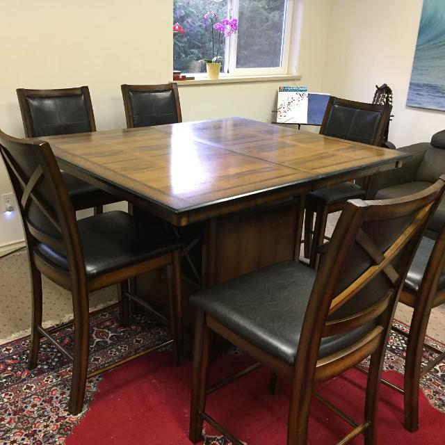 Dining Table Seller Can Meet Near Victoria BC