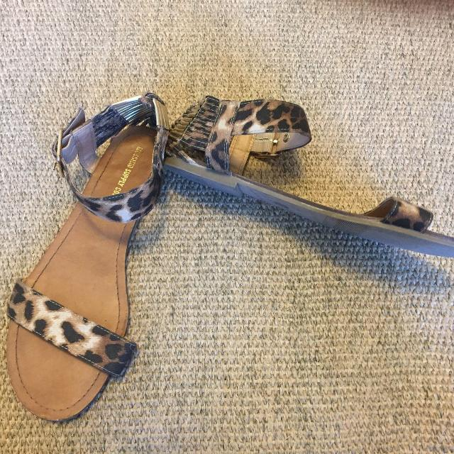 180f5a30314b Best Mossimo Sandal for sale in Regina