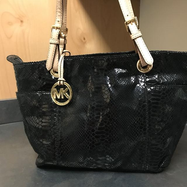 1c3c9650a531 Best Reduced Authentic Michael Kors Retired Purse   Obo for sale in  Shawnee