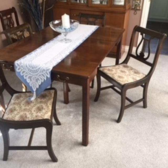 DINNING ROOM TABLE 5 CHAIRS