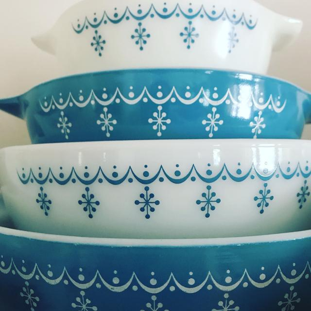 Find more Vintage Pyrex Snowflake Garland Nesting Bowls for sale at ...