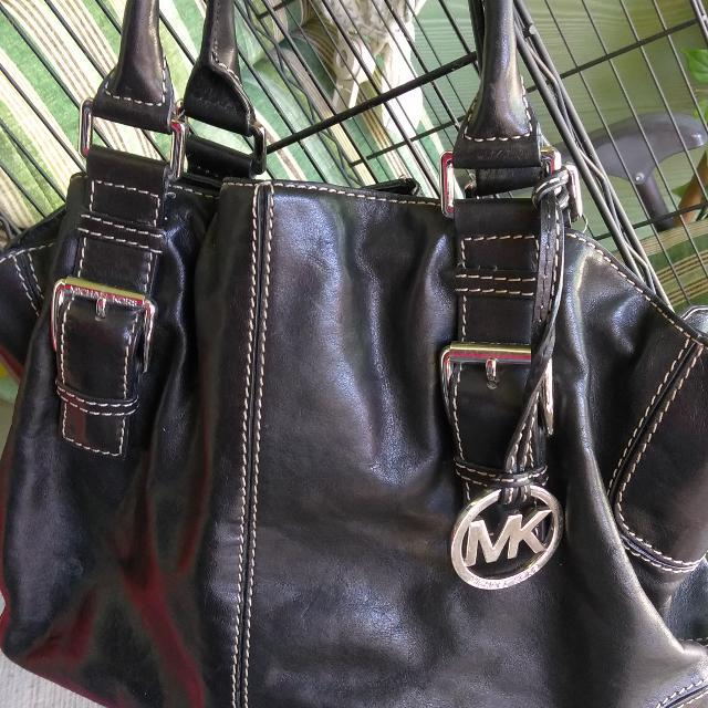 4d5add0ea2b18d Best Black Leather Handbag By Michael Kors for sale in Friendswood, Texas  for 2019