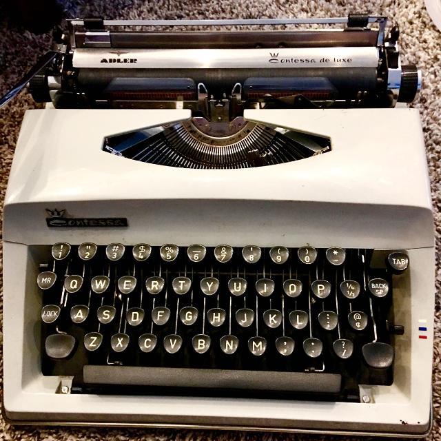vintage-typewriter-for-sale
