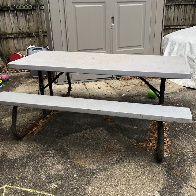 6 Ft Rubbermaid Outdoor Picnic Tables Have 2