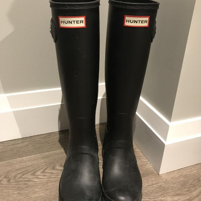 Best Matte Black Tall Hunter Boots - Rarely Worn And In Great Condition! Size 6. for sale in Vancouver, British Columbia for 2019