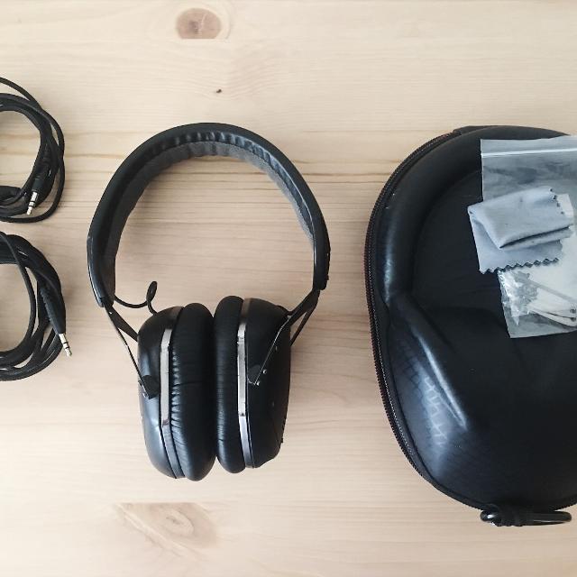7726e30678e Best V Moda Crossfade Lp2 Matte Black Headphones for sale in Markham,  Ontario for 2019