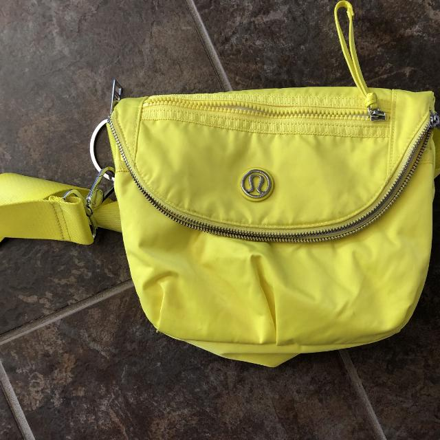 d047628ac8b Best Like New Lululemon Purse for sale in Airdrie, Alberta for 2019