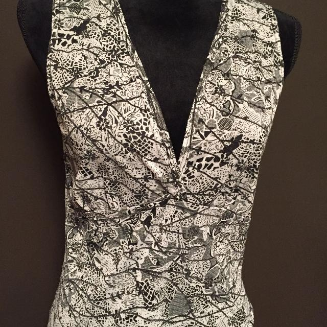 Find More Black And White Summer Top .tag Says Medium But