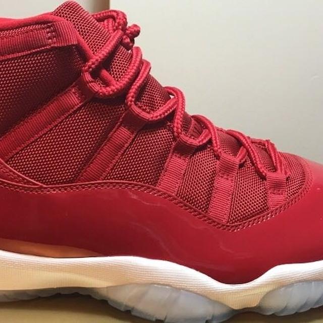 sports shoes 77650 2a845 Jordan 11 gym red