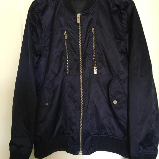 d6da6efe5 Stylish ZaraMan Navy Bomber Jacket Size L Accented With Gold Zippers