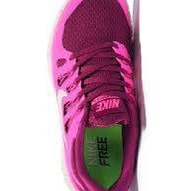 91f4dc3e120c Best Nike Women Free 5.0 V2 Running Shoe Fuschia Size 5.5 With Box for sale  in Vancouver