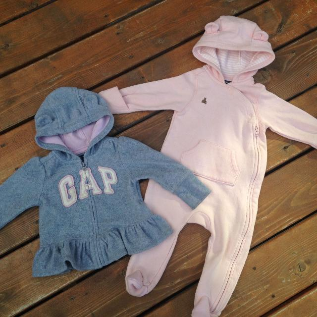 Find more 6-12 Month Baby Gap Fleece Hoodie   1-piece Outfit for ... 6512e60a8dca