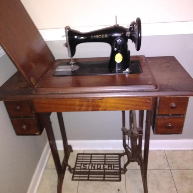 Best Vintage Singer Foot Pedal Sewing Machine For Sale In Pensacola Beauteous Vintage Singer Sewing Machine For Sale