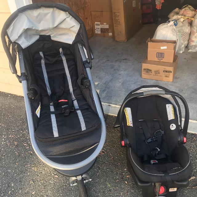 Graco Click Connect Jogging Stroller And Car Seat Set