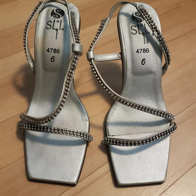 a9b5ab8334f Best Beautiful Silver   Diamond High Heel Shoes for sale in Victoria ...