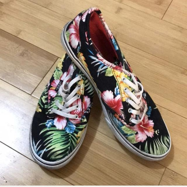 fd2c7e963f Find more Hawaiian Vans Size 6.5 for sale at up to 90% off