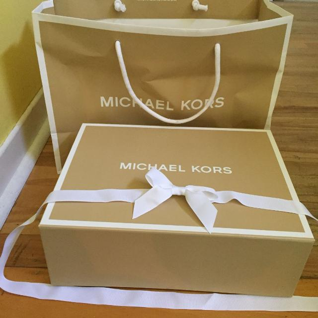 0d1f20ffe190 Best Michael Kors Box And Bag for sale in Vaudreuil