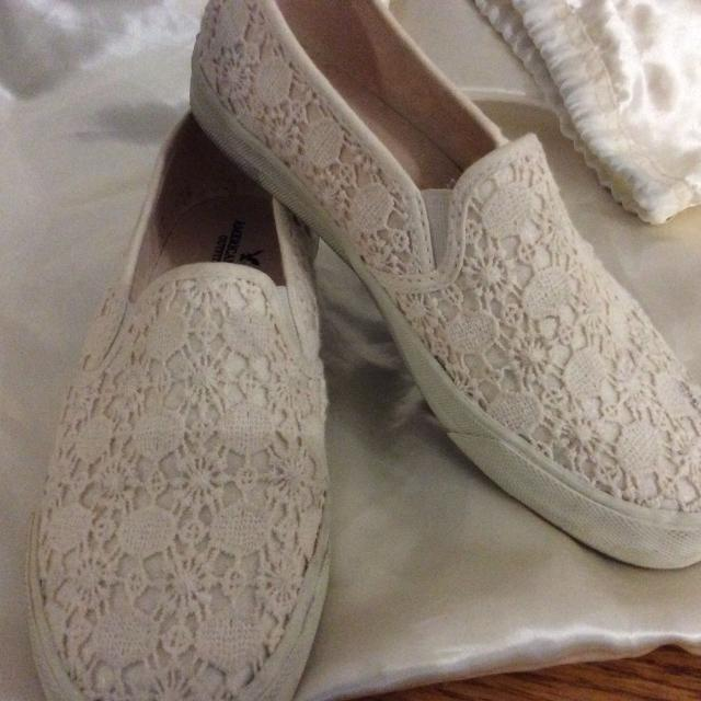 50bc0b506f65 Find more Lovely Off White American Eagle Shoes for sale at up to 90 ...