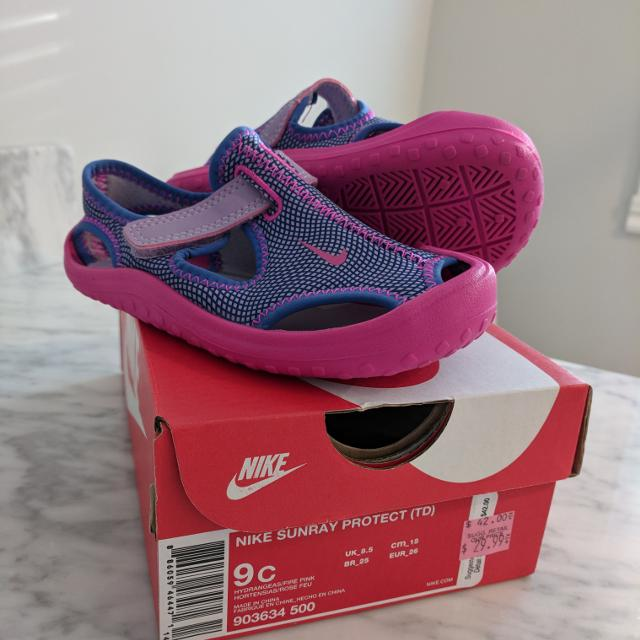 Find more Toddler Girl s Nike Water Shoes Size 9 Us for sale at up ... e126071e4