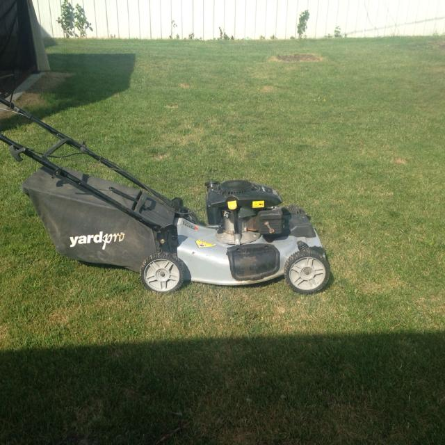 Euc yard pro lawn mower bought beginning of the year  Self propelled   Upgraded to a riding lawn mower  Selling for 225 00 Obo